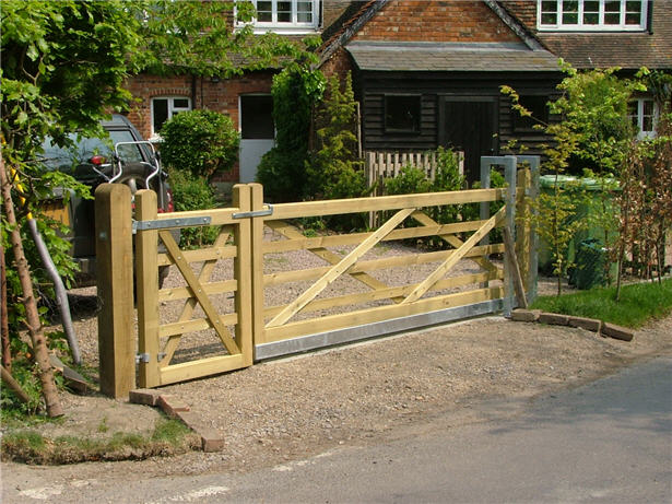 Res bar gates gkw wrought iron kent