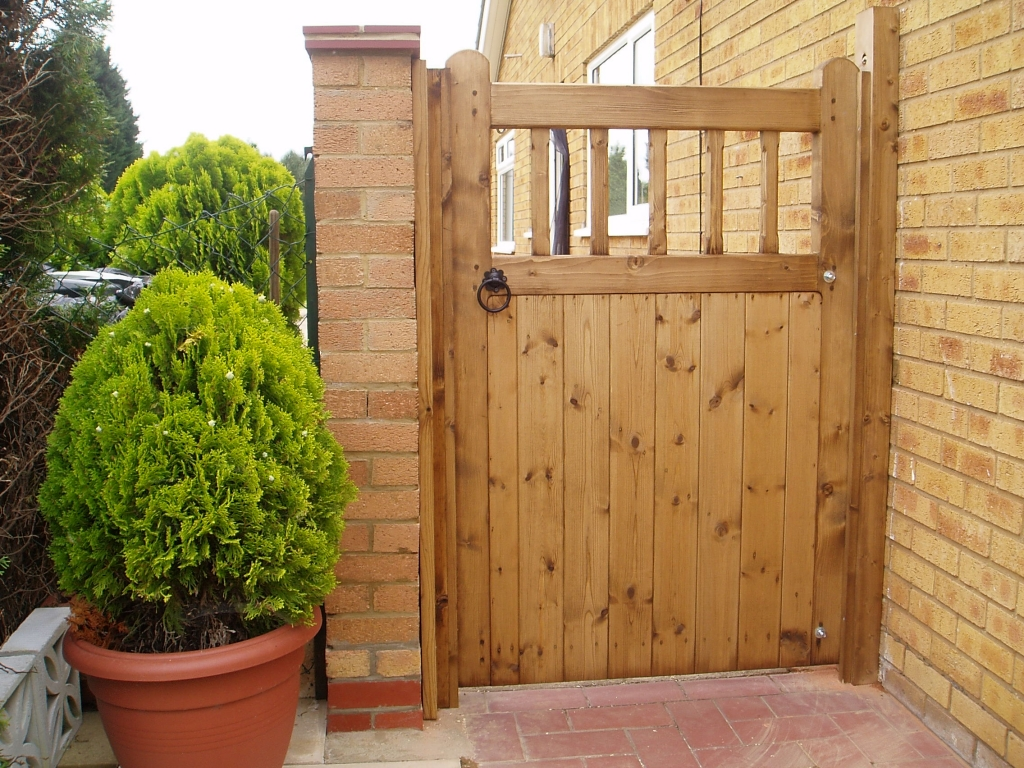 Res Single Wooden Gates Gkw Wrought Iron Kent